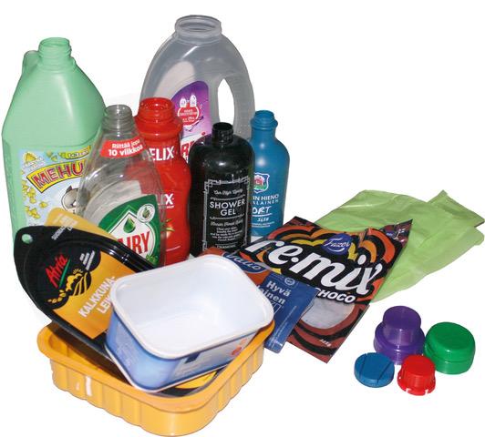Värikkäitä muovisia jätteitä.